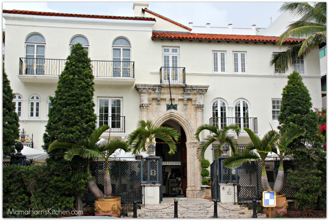 Miami culinary tours south beach food tour review for Versace mansion miami tour