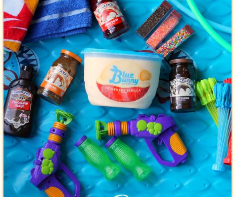 Sweet Backyard Fun in the Sun with Smucker's and Blue Bunny Ice Cream! #TopYourSummer #SoHoppinGood AD | Mama Harris' Kitchen