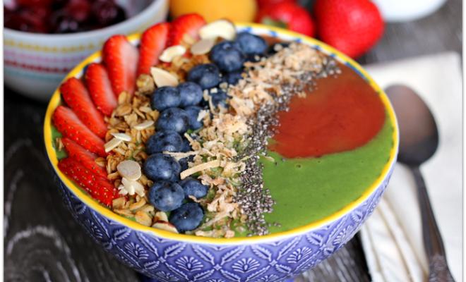 Cherry Apricot and Green Swirl Smoothie Bowl #CaciqueInstaSmoothie #GoAutentico #SoCu #ad | Mama Harris' Kitchen
